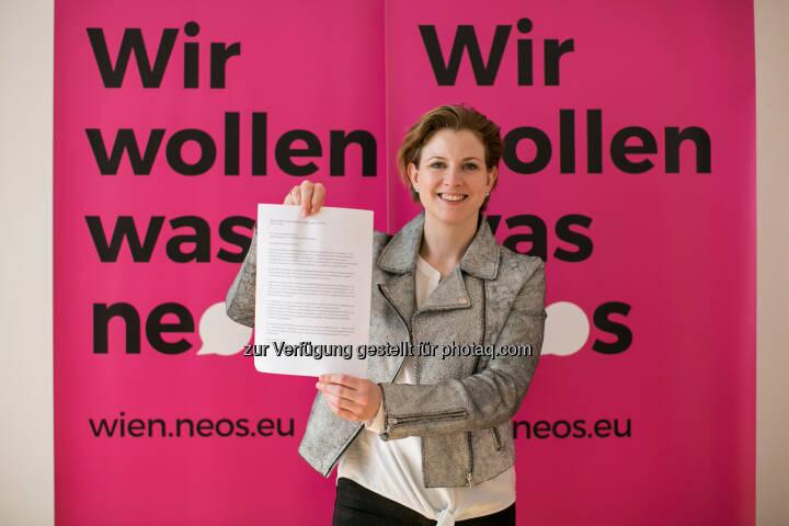 """Beate Meinl-Reisinger lädt Stadtregierung zur """"Gratis-Nachhilfe"""" in Bildungsfragen ein."""