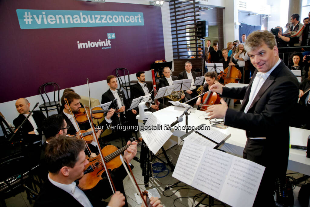 Das Vienna Festival Orchestra zu Gast bei McDonald's Österreich: McDonald's Österreich: #imlovinit: Globale 24-Stunden-Kampagne von McDonald's, © Aussender (24.03.2015)