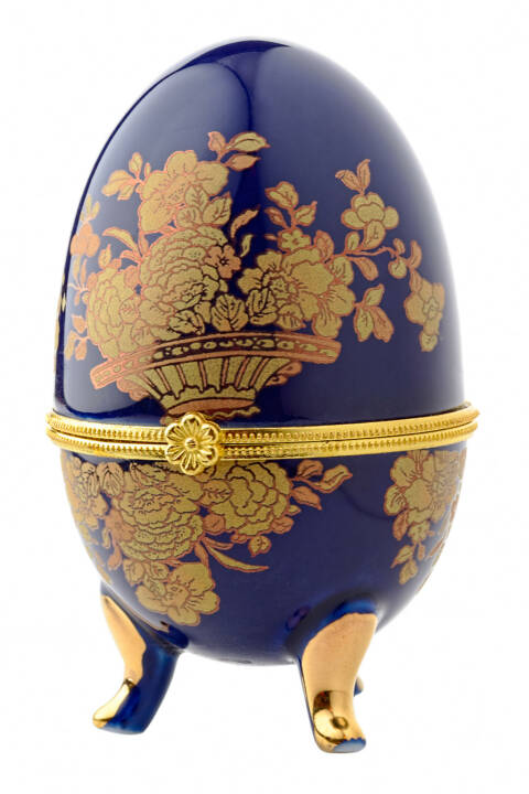 Faberge, Fabergé Ei, Osterei - http://www.shutterstock.com/de/pic-89056492/stock-photo-decorative-ceramic-easter-egg-for-jewellery-faberge-egg-against-white-background.html