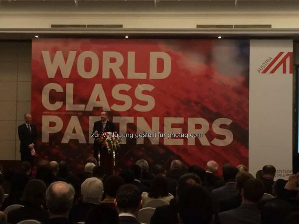 World Class Partners - über 250 Vertreter der österreichischen Business Community in #China lauschen den Ausführungen von Präsident #Leitl http://twitter.com/wko_aw/status/580986836266266624/photo/1  Source: http://twitter.com/wko_aw (26.03.2015)