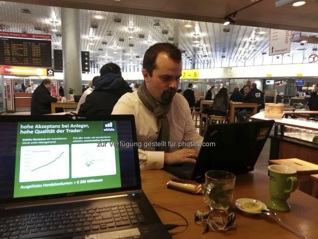 Player wie http://www.wikifolio.com geben der CeBIT ein wenig Kapitalmarkttouch (c) wikifolio/Facebook (20.02.2013)