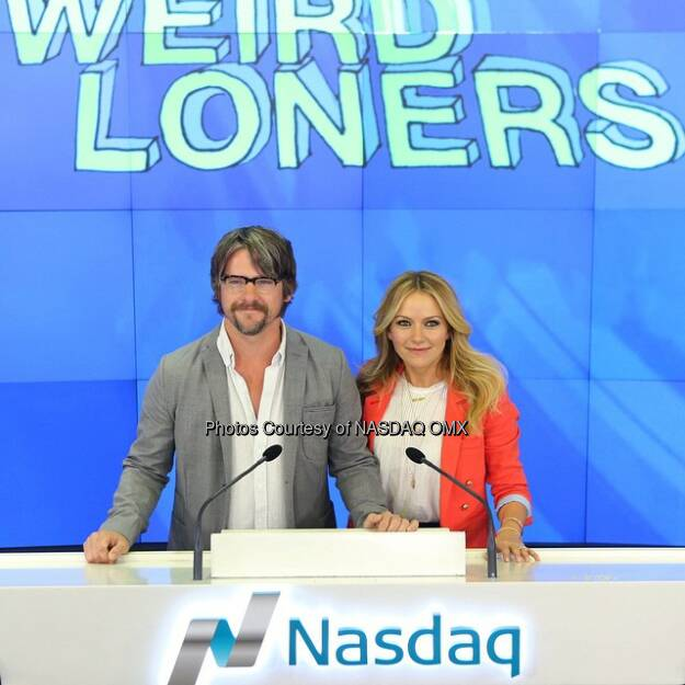 @WeirdLoners stars, Becki Newton and Zach Knighton ring the @Nasdaq Closing Bell! $FOXA #BeckiNewton #ZachKnighton  Source: http://facebook.com/NASDAQ (27.03.2015)