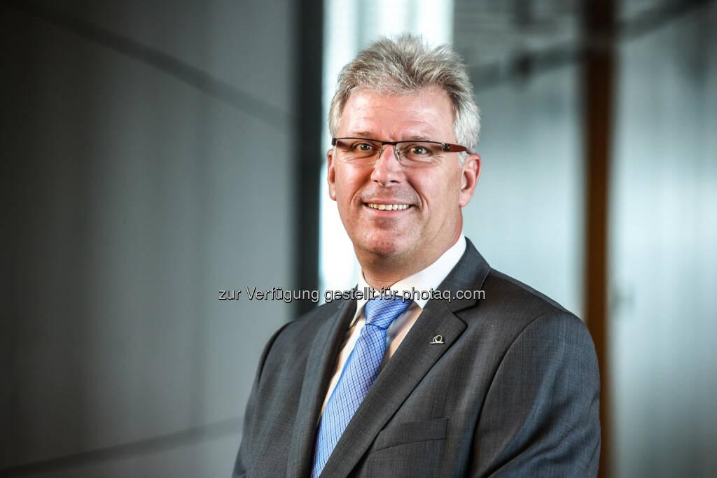 Eduard Angerer wird neuer Uniqa Österreich Bereichsleiter Versicherungstechnik Industrie & Individual, © Aussender (27.03.2015)