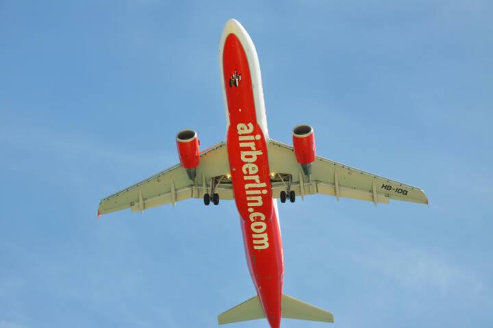 Air Berlin, Flugzeug <a href=http://www.shutterstock.com/gallery-306976p1.html?cr=00&pl=edit-00>rSnapshotPhotos</a> / <a href=http://www.shutterstock.com/editorial?cr=00&pl=edit-00>Shutterstock.com</a>