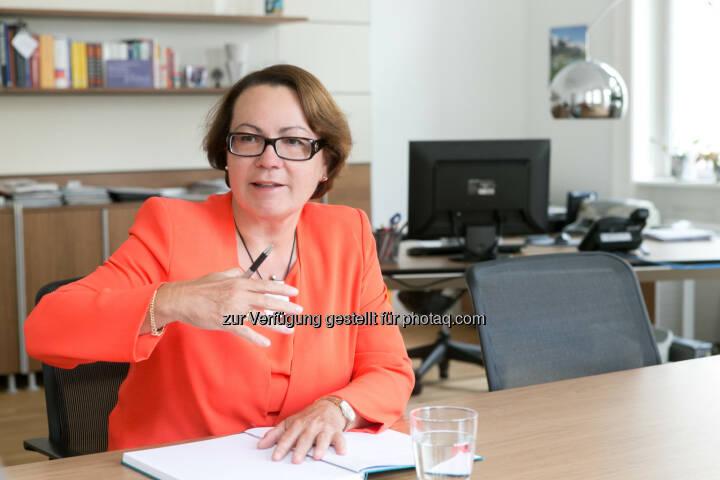 Karolina Offterdinger, Vorstand der OeKB Versicherung - Acredia Versicherung AG: Ägypten – OeKB Versicherung öffnet Deckung für Exporteure (Bild: OeKB Versicherung/Martina Draper)