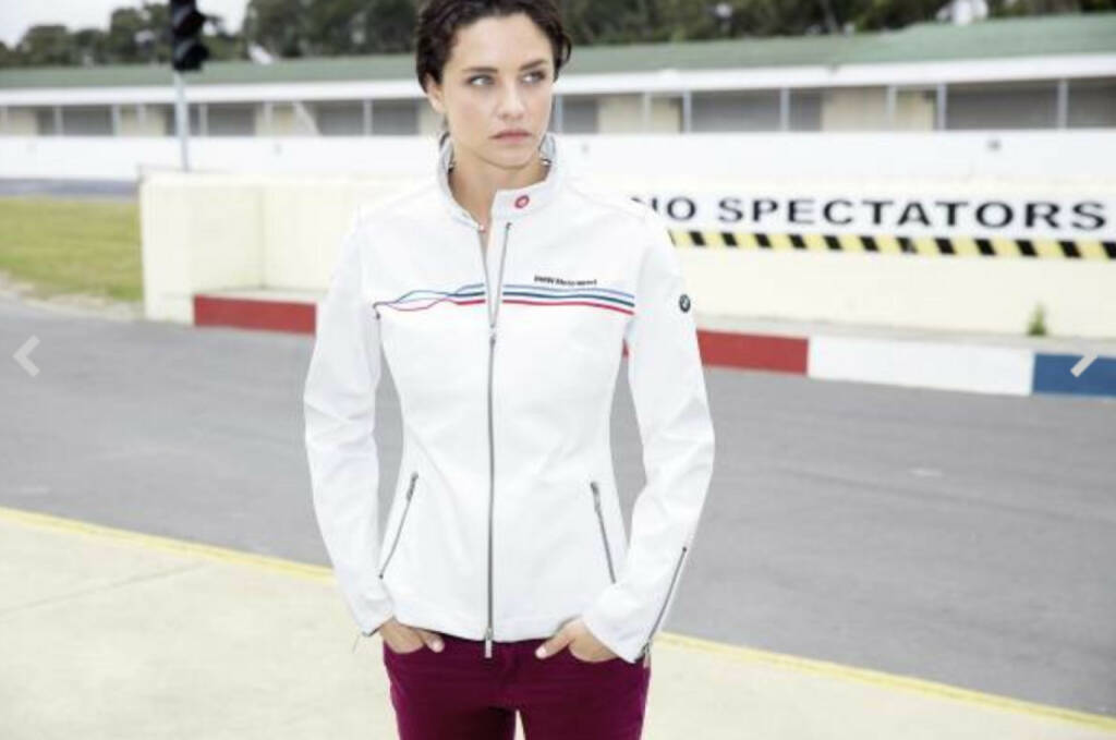 BMW Motorsport Collection. Motorsport Softshelljacke. Für Damen in Weiß (03/2015), © Aussendung (31.03.2015)