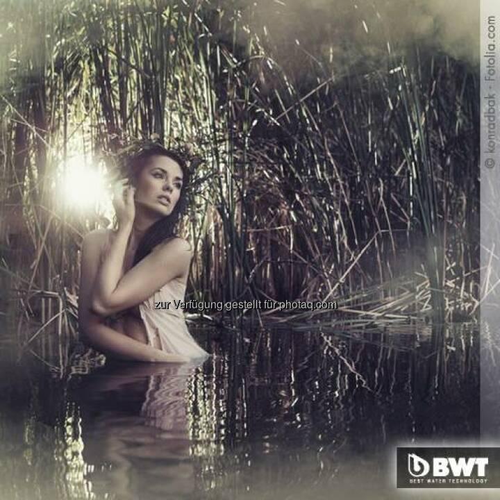 BWT: Früher schöpften junge Frauen in der Osternacht oder am Ostermorgen noch vor Sonnenaufgang das Osterwasser aus den Flüssen. Denn nach altem Volksglauben soll dieses Wasser für besonders feine Haut sorgen, wenn man sich damit wäscht. Gut dass sich die Zeiten geändert haben. Heute fließt seidenweiches BWT Perlwasser für zarte Haut und glänzendes, geschmeidiges Haar wie von Zauberhand aus dem Wasserhahn im eigenen Bad ;-) Und das nicht nur zu Ostern!  Source: http://facebook.com/bwtwasser