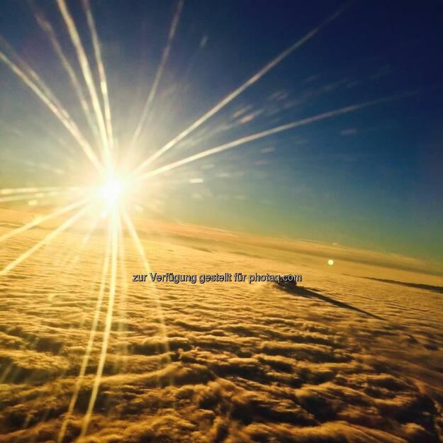 Sonne über den Wolken - mit der Lufthansa nach San Francisco, © Dirk Herrmann (08.04.2015)