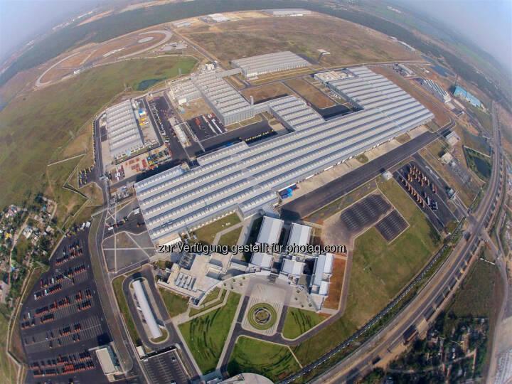 Daimler India Commercial Vehicles: Investitionen in dreistelliger Millionenhöhe, eine eigens für Indien geschaffene Lkw-Marke und rund 3.000 Mitarbeiter am Standort Chennai