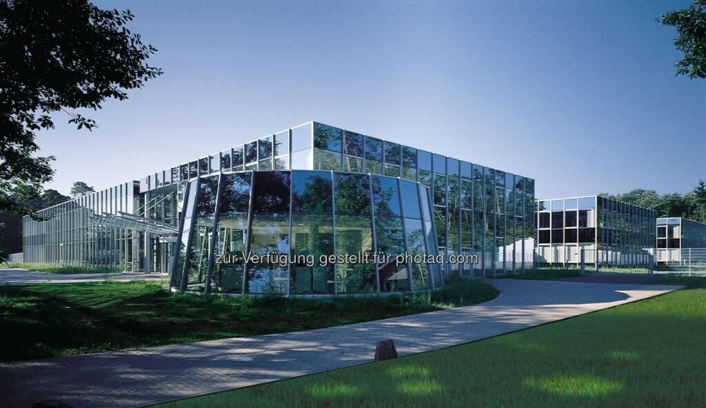 Singulus Gebäude (Bild: Singulus - http://www.singulus.de/de/presse/bildarchiv.html ), © Aussender (09.04.2015)