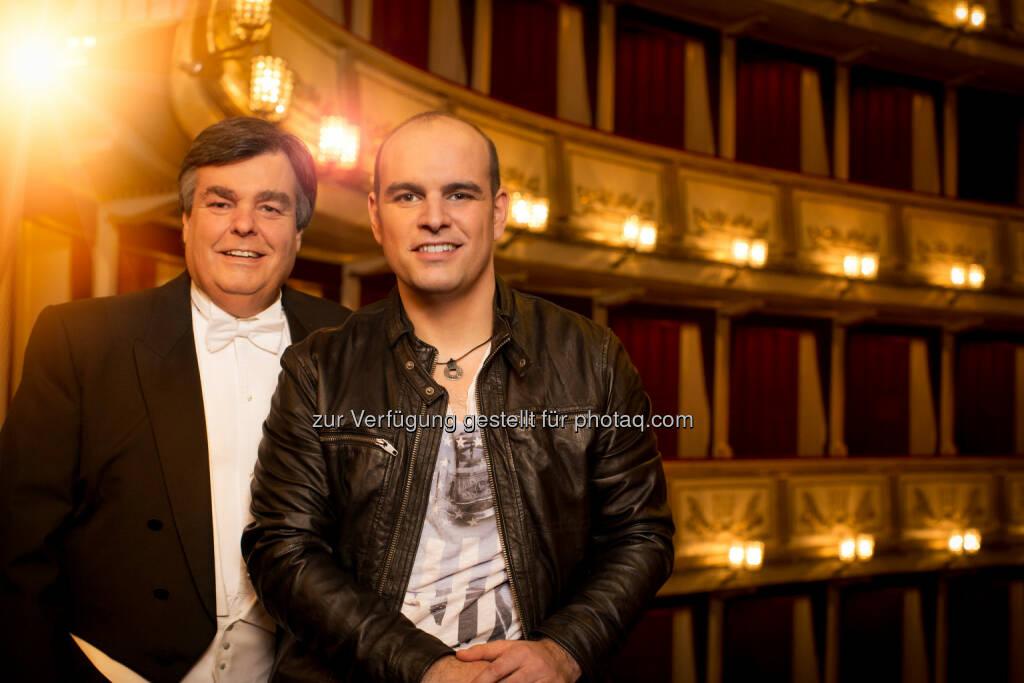 """Kammersänger Herwig Pecoraro und Mario Pecoraro starten ihre Symphonic Tour im Herbst 2015. SKYunlimited: Pecoraro & Pecoraro: """"When Father and Son…"""", © Aussender (14.04.2015)"""