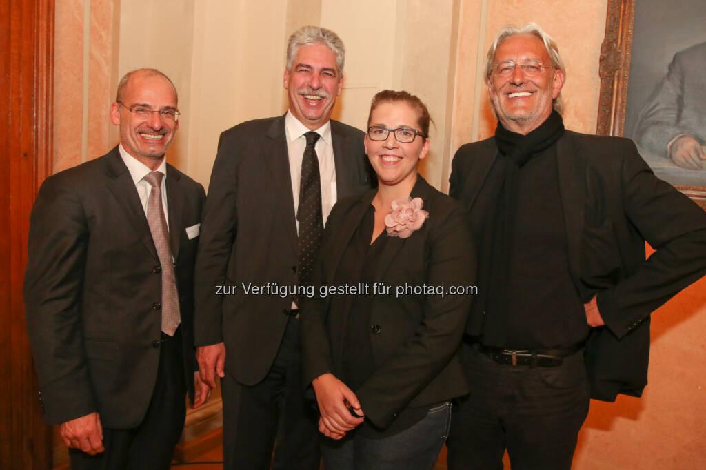 Hanns Kratzer (Peri Group), Hans Jörg Schelling, Birgit Bernhard und Robert Riedl (Welldone Werbung und PR GmbH): Welldone Werbung und PR GmbH: 46. Welldone Lounge: Sparflamme, © Aussender (15.04.2015)