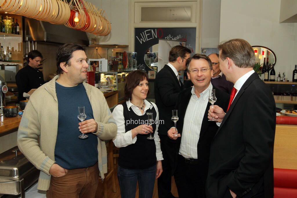 Michael Strausz, Eveline Gratzer, Dieter Kerschbaum, Albert Reiter - Eisstockschiessen mit der Erste Immobilien KAG , © Herbert Gmoser für finanzmarktfoto.at (21.02.2013)