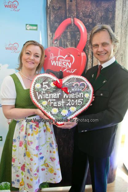 Wiener Wiesn-Fest Geschäftsführer-Duo Claudia Wiesner und Christian Feldhofer: Wiener Wiesn Fest: Wiener Wiesn-Fest schunkelt sich ins Jubiläumsjahr 2015, © Aussender (16.04.2015)