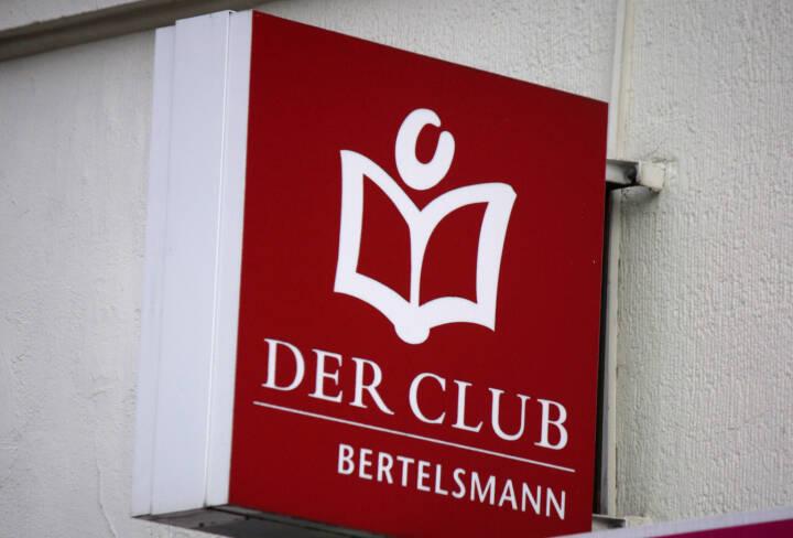 Bertelsmann, Der Club, Buch, Bücher <a href=http://www.shutterstock.com/gallery-320989p1.html?cr=00&pl=edit-00>360b</a> / <a href=http://www.shutterstock.com/editorial?cr=00&pl=edit-00>Shutterstock.com</a>