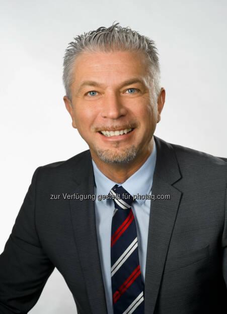 Davor Sertic: Wirtschaftsbund Wien: WB Wien: Walter Ruck gratuliert neuem Spartenobmann im Verkehr Davor Sertic, © Aussender (17.04.2015)