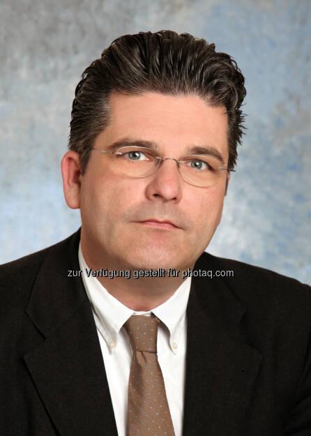Martin Heimhilcher: Wirtschaftsbund Wien: WB Wien: Walter Ruck gratuliert neuem Spartenobmann Information & Consulting Martin Heimhilcher, © Aussender (17.04.2015)