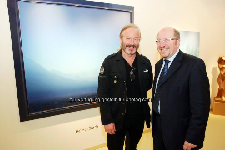Künstler Helmut Ditsch vor seinem Werk und Horst Szaal (Messeveranstalter): Werbeagentur Szaal: Wikam Wiener Internationale Kunst & Antiquitätenmesse