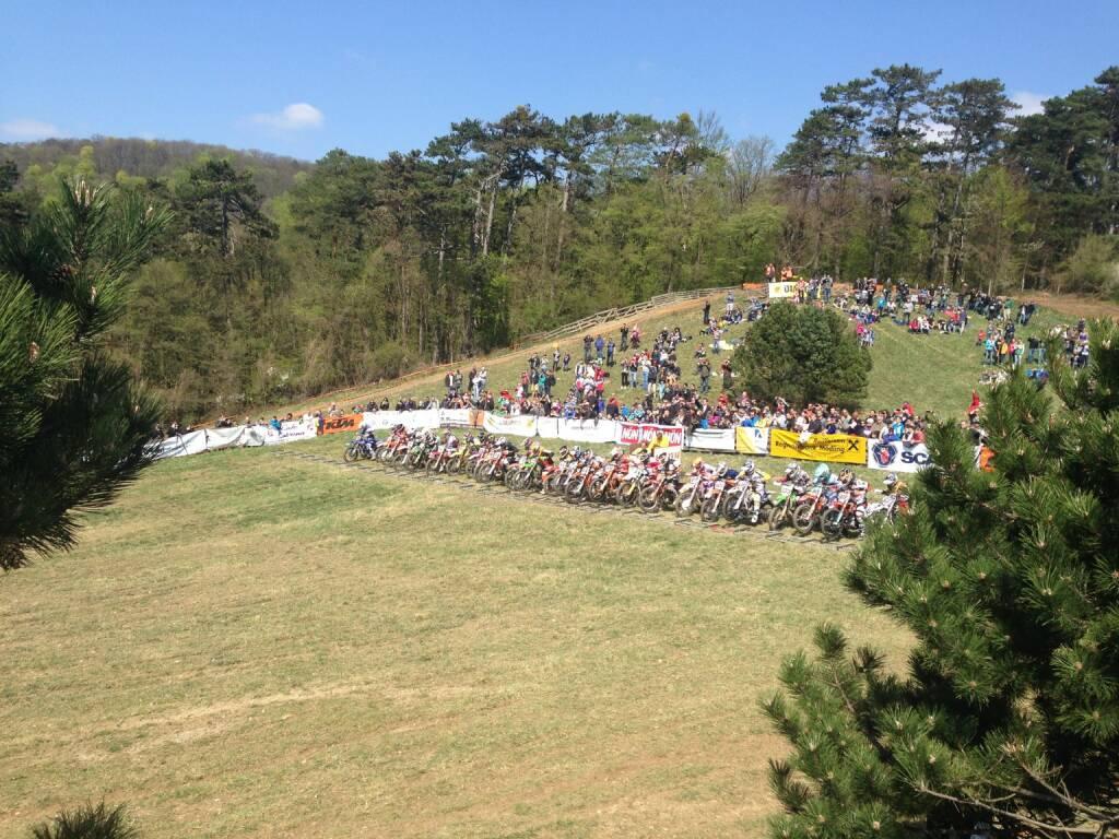 Zuschauer Moto-Cross Sittendorf (19.04.2015)