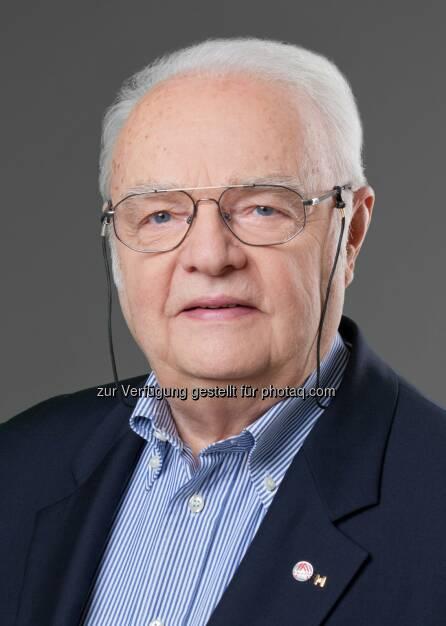 Gerhard Aufricht, Präsident der Österreichischen Gesellschaft für Zerstörungsfreie Prüfung (ÖGfZP): TÜV Austria: Neuer ÖGfZP-Präsident: Gerhard Aufricht folgt auf Hugo Eberhardt, © Aussender (21.04.2015)