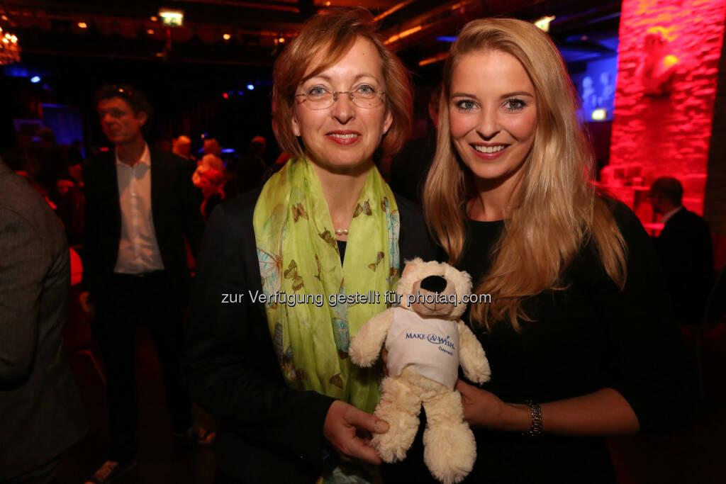M-A-W Präsidentin Doris Regele und Ex-Miss Austria Christine Reiler, © Conny de Beauclair (21.04.2015)