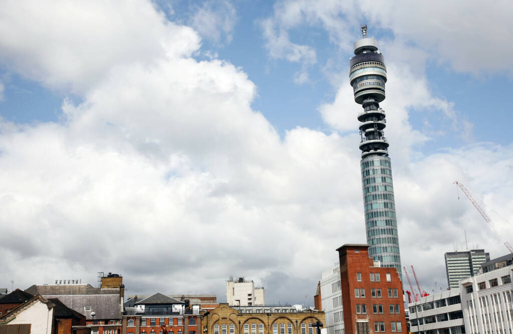 BT Tower, 177 Meter hoch, höchste Gebäude in UK, BT Group, London<a href=http://www.shutterstock.com/gallery-724414p1.html?cr=00&pl=edit-00>Bikeworldtravel</a> / <a href=http://www.shutterstock.com/editorial?cr=00&pl=edit-00>Shutterstock.com</a>, © www.shutterstock.com (23.04.2015)