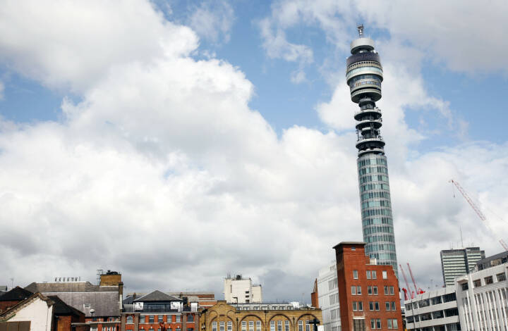 BT Tower, 177 Meter hoch, höchste Gebäude in UK, BT Group, London<a href=http://www.shutterstock.com/gallery-724414p1.html?cr=00&pl=edit-00>Bikeworldtravel</a> / <a href=http://www.shutterstock.com/editorial?cr=00&pl=edit-00>Shutterstock.com</a>