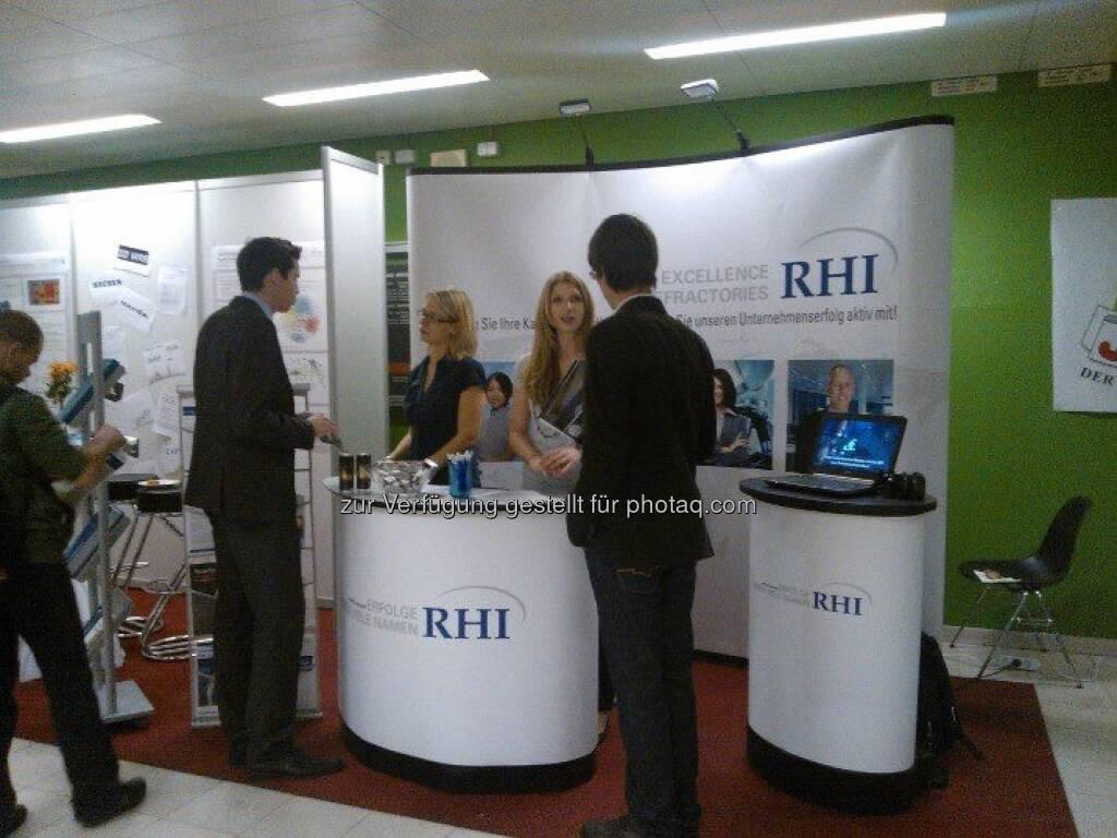 (c) RHI): Unsere Kolleginnen auf der IAESTE Firmenmesse am 17.10., Österreichs größter Karrieremesse für Studierende und AbsolventInnnen technischer und naturwissenschaftlicher Studienrichtungen (15.12.2012)