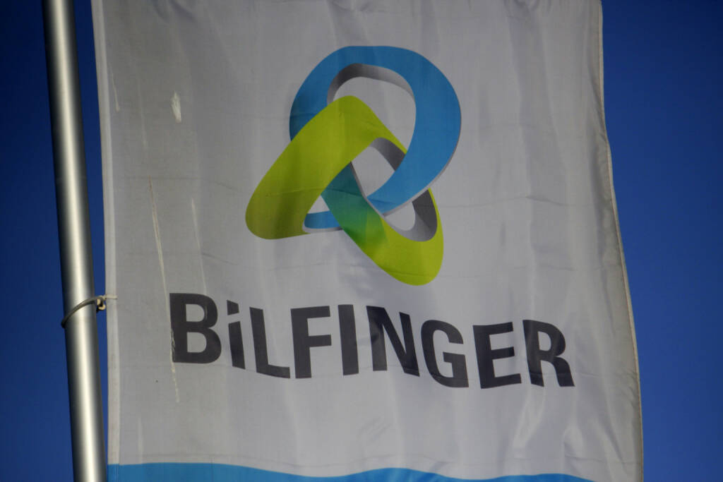 Bilfinger Logo, Flagge <a href=http://www.shutterstock.com/gallery-320989p1.html?cr=00&pl=edit-00>360b</a> / <a href=http://www.shutterstock.com/editorial?cr=00&pl=edit-00>Shutterstock.com</a>, © www.shutterstock.com (24.04.2015)