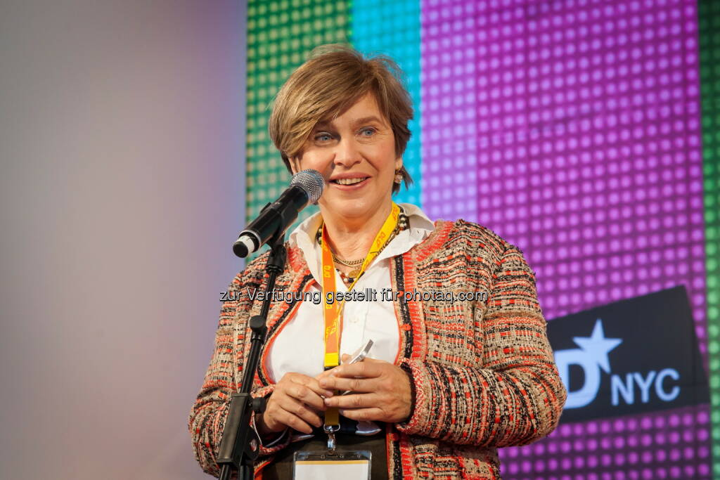 Zum zweiten Mal versammelt Gastgeberin Steffi Czerny die digitale Elite aus Europa, Israel und den USA in New York City für die DLD Konferenz von Hubert Burda Media. , © Aussender (24.04.2015)