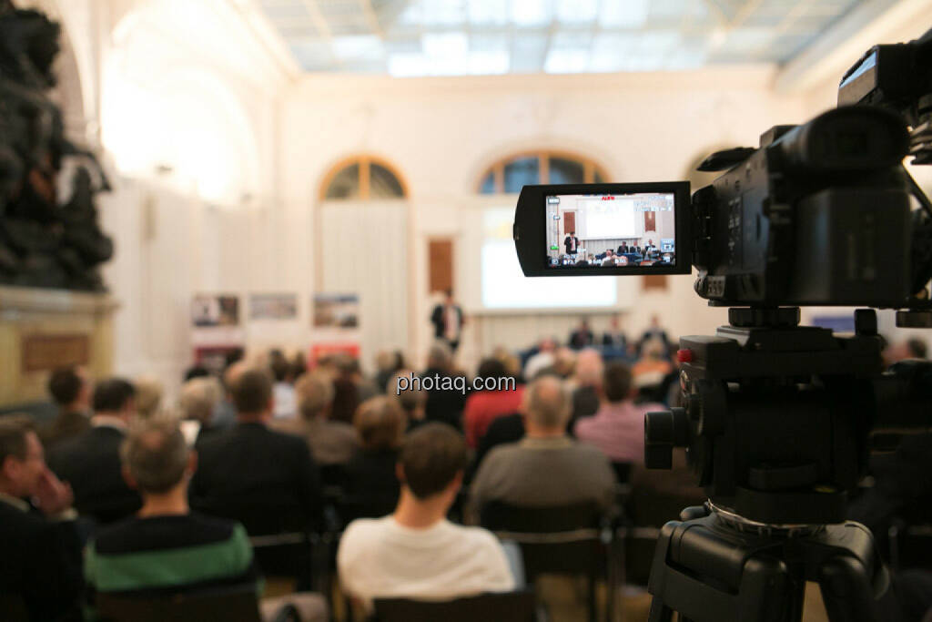 Kamera, Aufnahme, Monitor, Vienna Gold and Silver Network Night, © photaq/Martina Draper (27.04.2015)