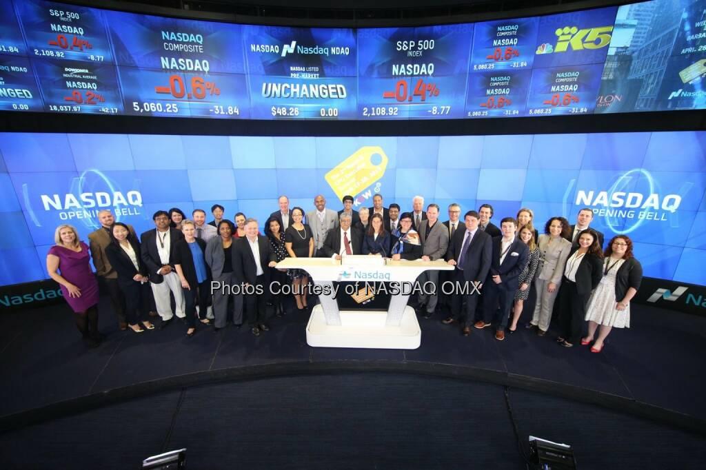 Knowledge@Wharton Retail & Consumer Goods Executive Summit rings the Nasdaq Opening Bell!  Source: http://facebook.com/NASDAQ (28.04.2015)