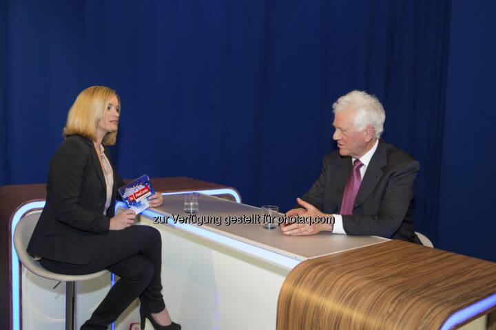 Corinna Milborn / Frank Stronach im Puls4-Interview  (c) PULS 4 / Christian Mikes