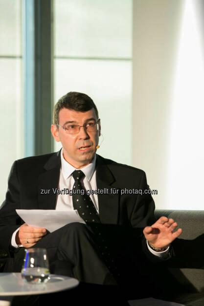 Wladimir Kruschkow (Erster Botschaftsrat, Botschaft der Russischen Föderation in Österreich) http://blog.immofinanz.com/de/2015/04/21/talk-im-tower-die-vierte-russland-die-sanktionen-und-die-folgen/ , © Martina Draper für Immofinanz (28.04.2015)