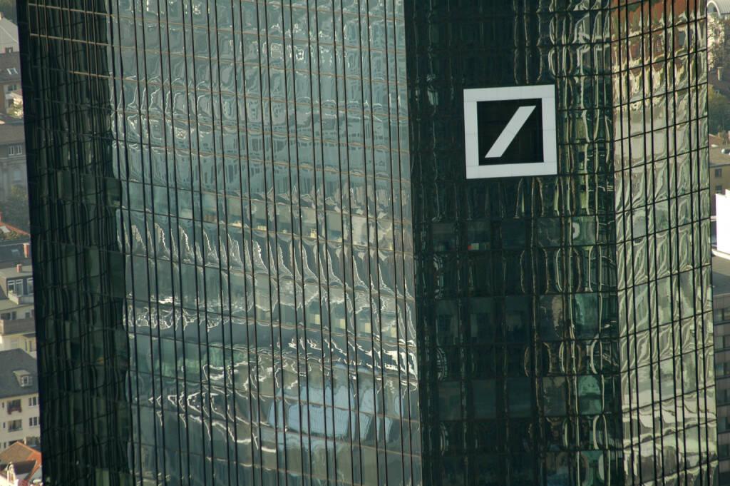 Deutsche Bank, Logo, Headquarter <a href=http://www.shutterstock.com/gallery-320989p1.html?cr=00&pl=edit-00>360b</a> / <a href=http://www.shutterstock.com/editorial?cr=00&pl=edit-00>Shutterstock.com</a>, © www.shutterstock.com (30.04.2015)