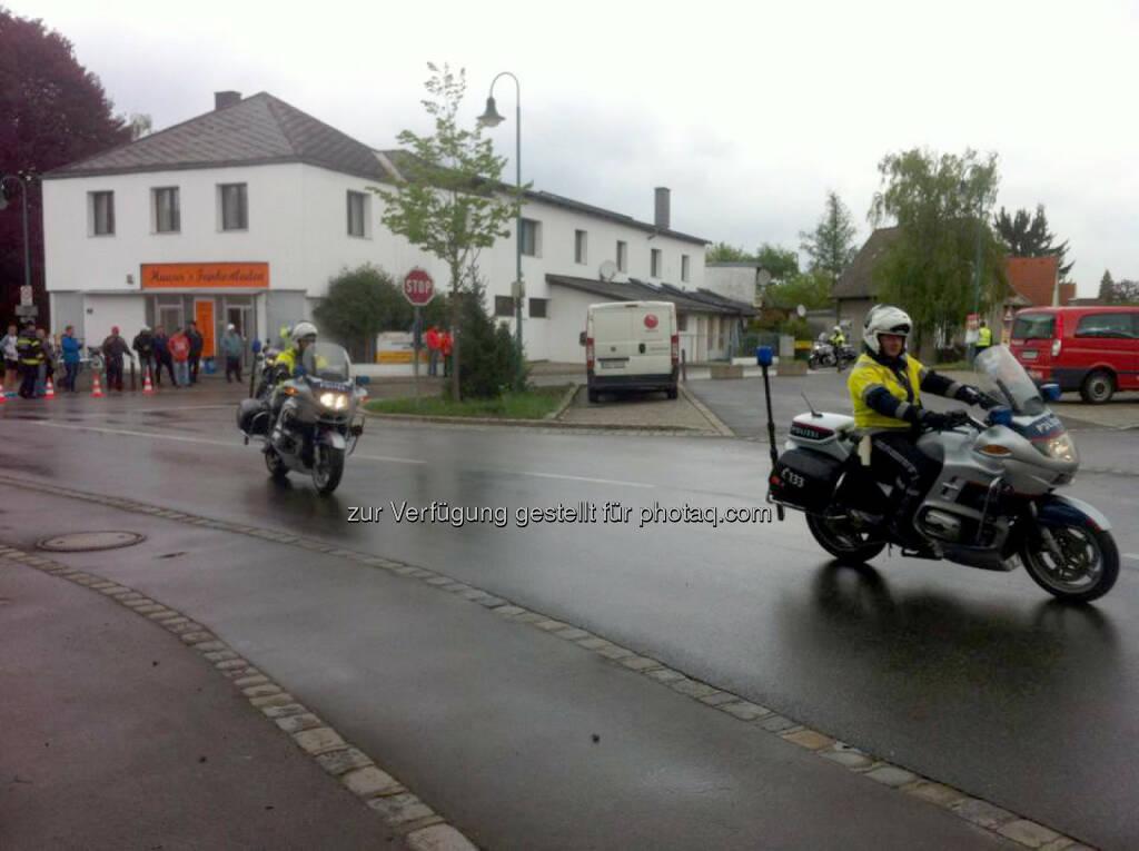 Gran Fondo Giro d'Italia Vienna 2015, Polizei, Motorrad, © Markus Dreier (04.05.2015)