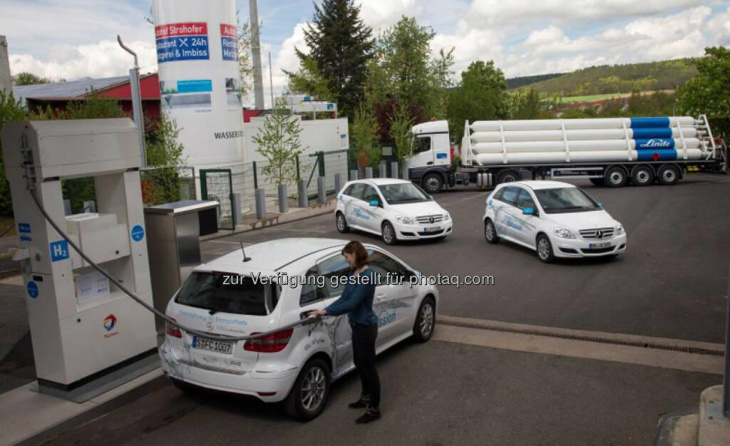 Daimler: Deutschlands erste Wasserstoff-Tankstelle an der Autobahn eröffnet, © Aussendung (04.05.2015)