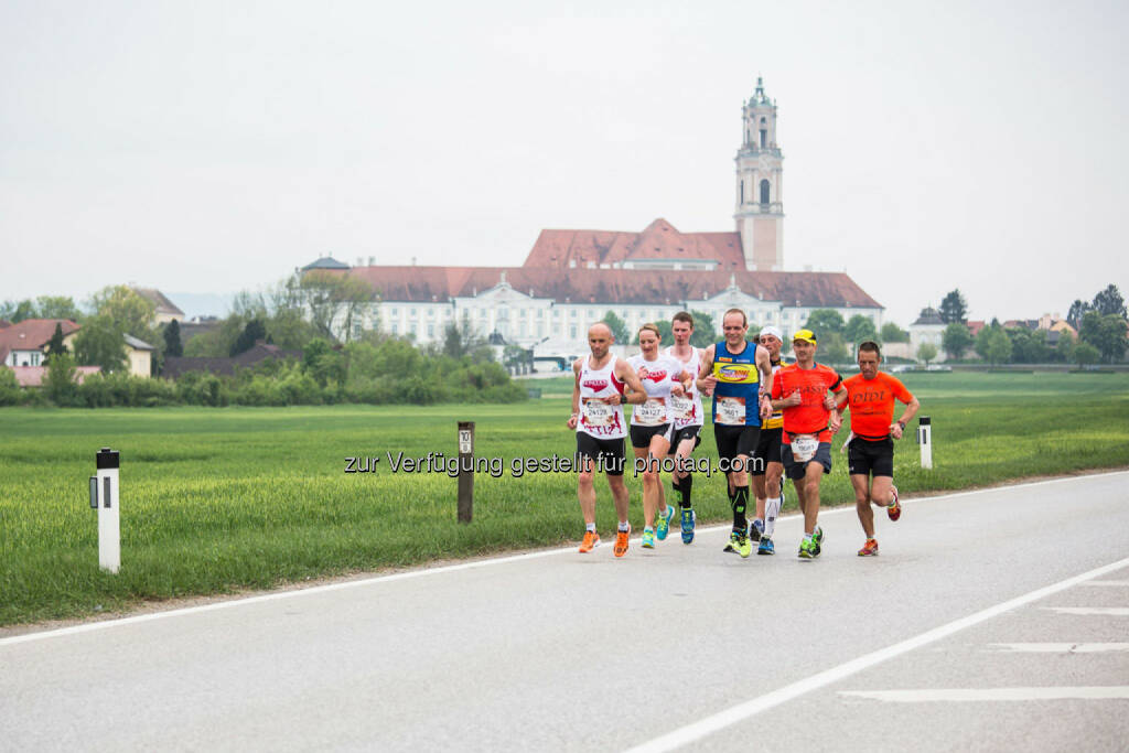 Participants compete during the Wings for Life World Run in lower Austria, Austria on May 3, 2015. // Philipp Greindl for Wings for Life World Run // Please go to www.redbullcontentpool.com for further information. // , © © Red Bull Media House (04.05.2015)