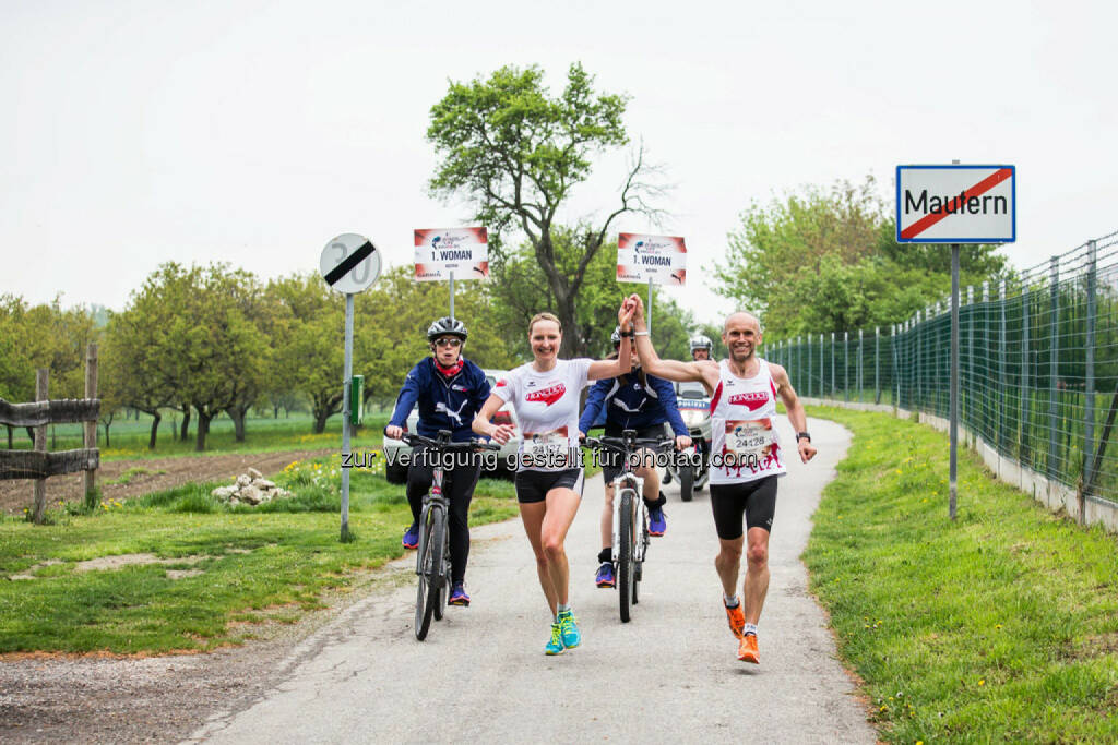 Participants perform at the Wings for Life World Run in St. Poelten, Austria on May, 3rd 2015. // Philipp Greindl for Wings for Life World Run // Please go to www.redbullcontentpool.com for further information. // , © © Red Bull Media House (04.05.2015)