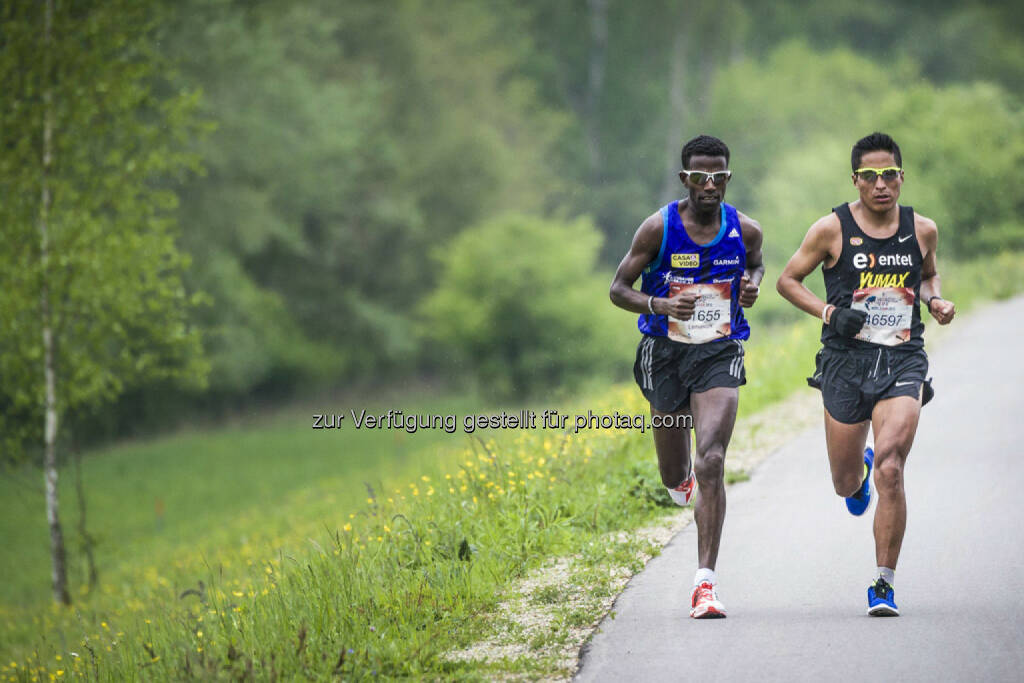 Winner Lemawork Ketema and second Remigio Huaman run during the Wings for Life World Run in St. Poelten, Austria on May 3rd, 2015. // Philip Platzer for Wings for Life World Run // P-20150504-00952 // Usage for editorial use only // Please go to www.redbullcontentpool.com for further information. // , © © Red Bull Media House (04.05.2015)