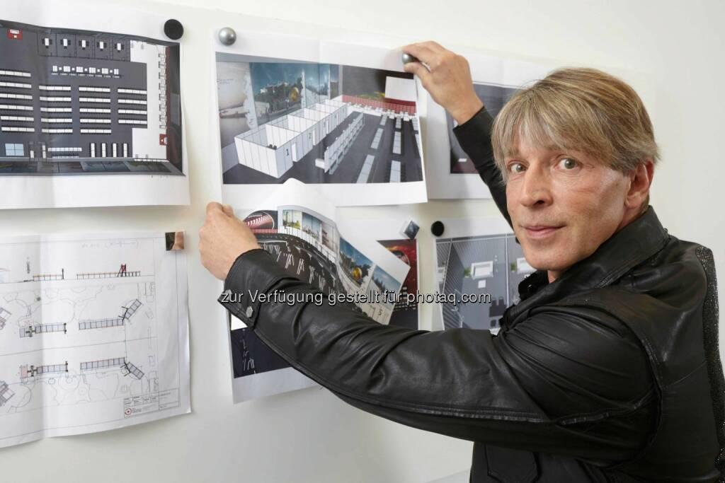Ab Freitag, den 8. Mai 2015 wird Dominic Heinzl, im Rahmen der neuen Sendung iLike - Das Puls 4 Magazin über den Song Contest berichten. (C) Herbert Lehmann, © Aussendung (06.05.2015)