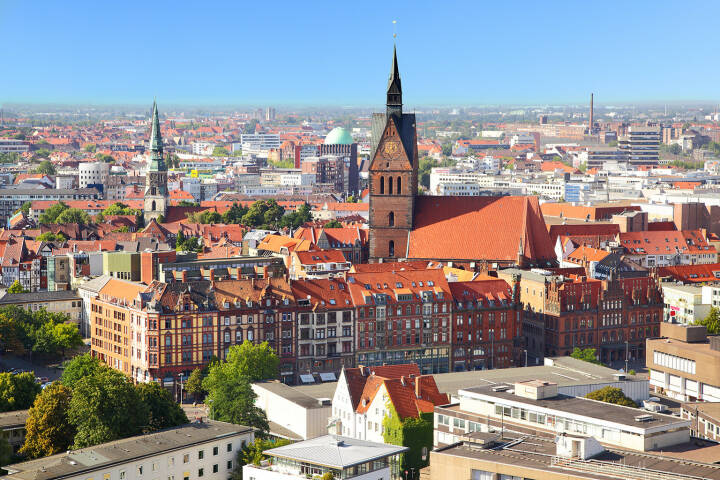 Hannover, Stadt-Zentrum, http://www.shutterstock.com/pic-112302332/stock-photo-panoramic-view-of-hanover-city-germany.html