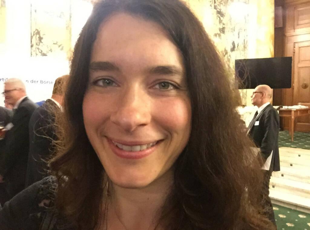 Selfie Ingrid Krawarik, WirtschaftsBlatt (07.05.2015)