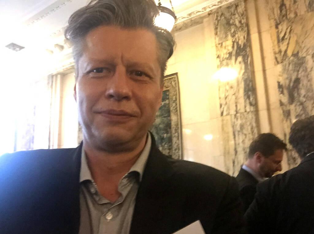 Selfie Robert Gillinger, Börse Express (07.05.2015)