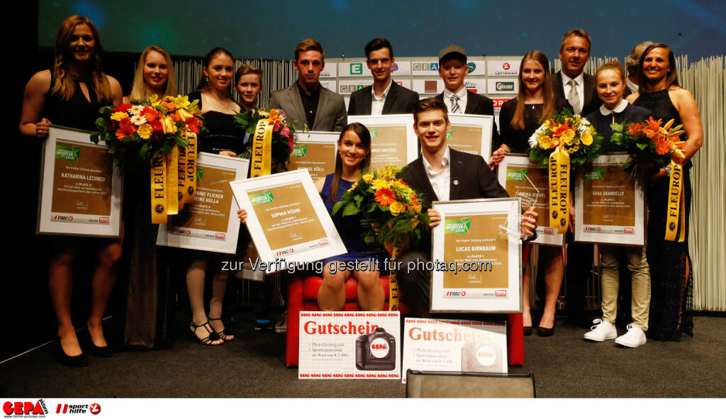 Image shows the up-and-coming athletes with up-and-coming Sportswoman of the year Sophia Woehri and up-and-coming Sportsman of the year Lucas Birnbaum. Photo: Gepa pictures/ Markus Oberlaender, © Gepa (08.05.2015)