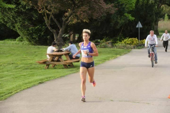 Elisabeth Niedereder, Tristyle Runplugged Runners, beim Herzlauf (Bild mit freundlicher Genehmigung vom Veranstalter)