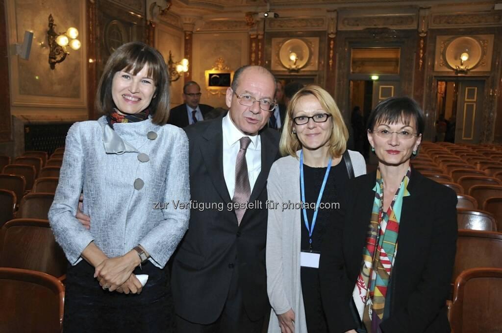 Birgit Kuras (Wiener Börse), Michael Spiss (RCB) (15.12.2012)