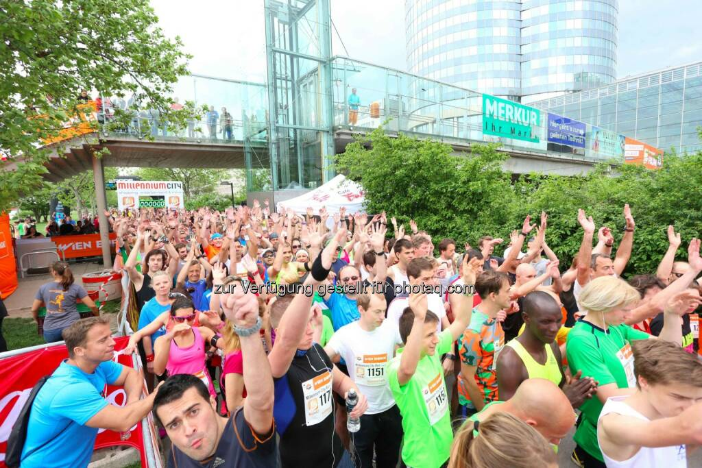 Millennium City Run 2015, Hände hoch, © leisure.at/Ludwig Schedl (10.05.2015)