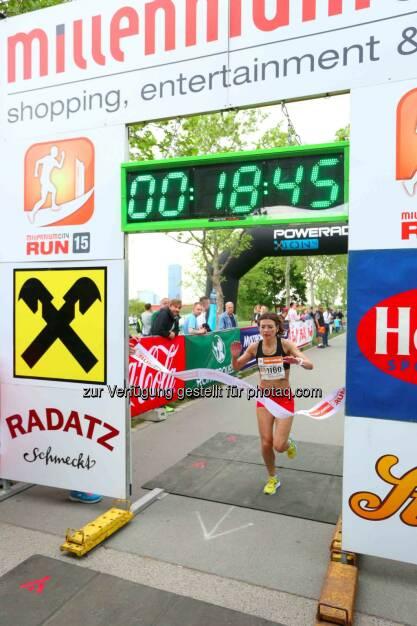 Balint Anniko, Siegerin Damen Millennium City Run 2015 über die 5km Distanz, © leisure.at/Ludwig Schedl (10.05.2015)