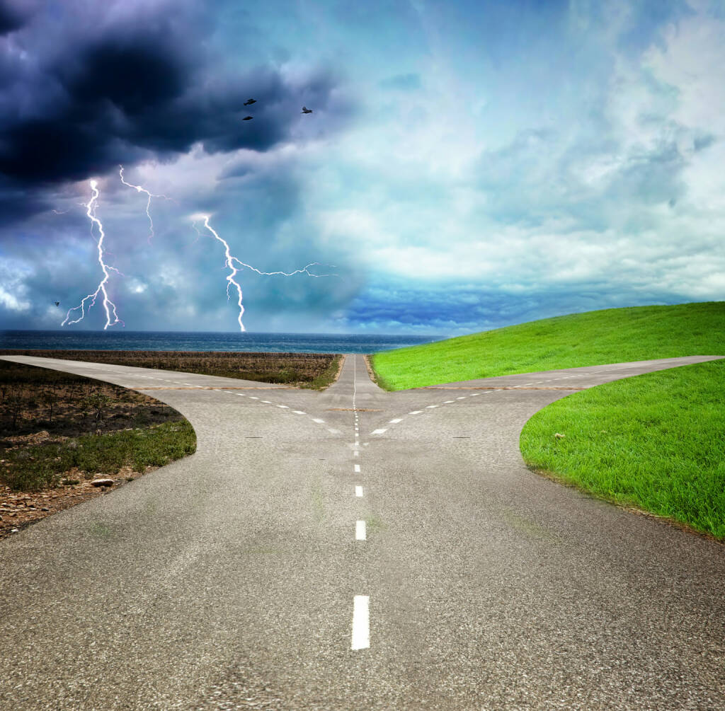 Scheideweg, Weggabelung, Gabelung, Wahl, Richtung http://www.shutterstock.com/de/pic-139284245/stock-photo-concept-of-choose-the-correct-or-incorrect-way.html, © www.shutterstock.com (11.05.2015)